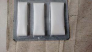 Jersey nähen: Kanten mit Saumband verstärken verhindert eingerollte Kanten