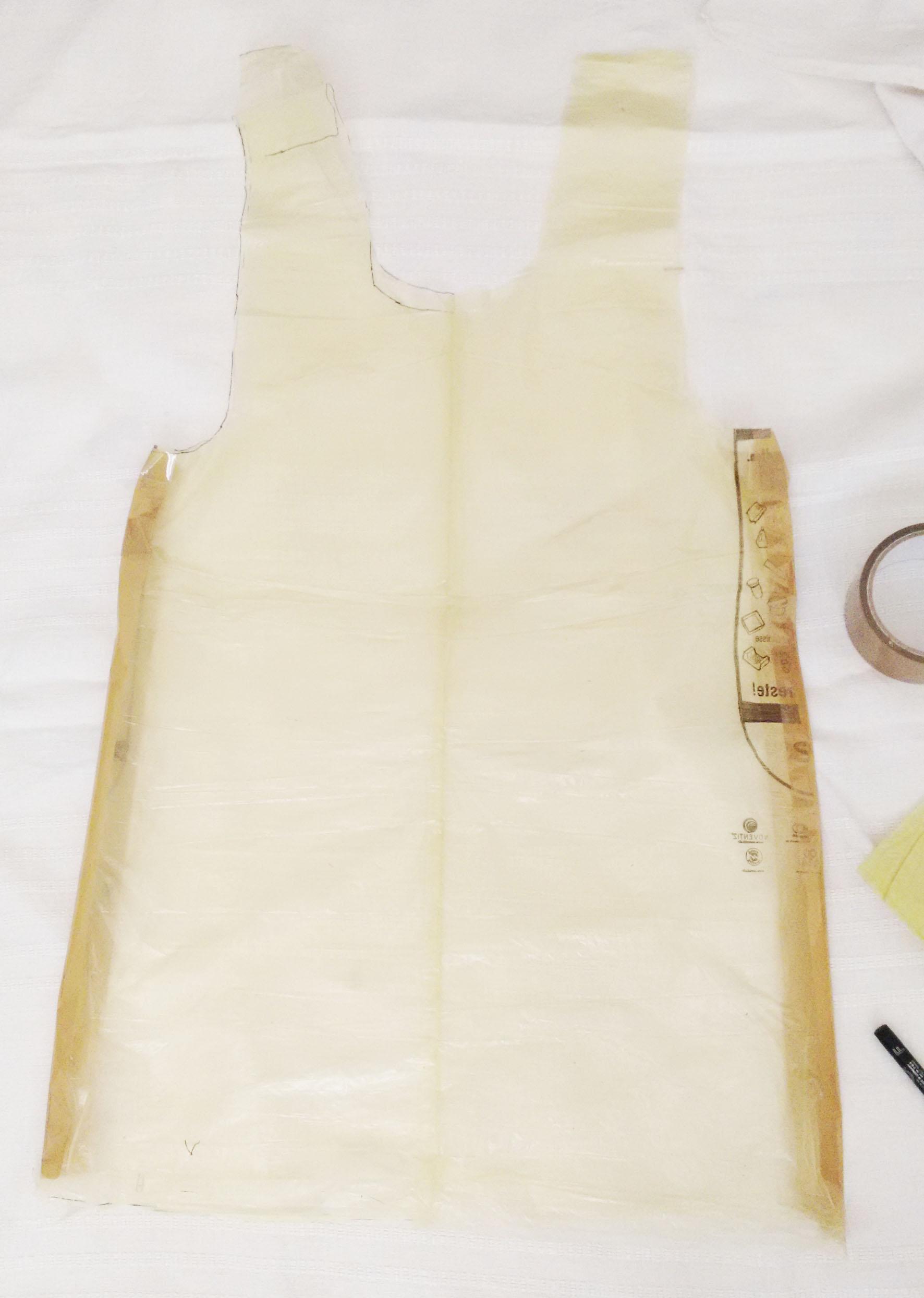 Probemodell aus gelben Säcken - Seiten mit Klebeband